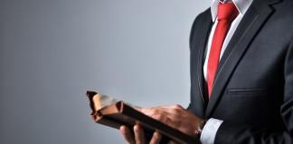 Los abogados que dan clases, ¿deben ser mayoría en los claustros universitarios?