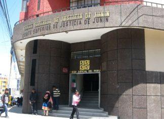 Destituyen a secretario judicial de la Corte de Junín por mantener relaciones extraprocesales con esposa de imputado